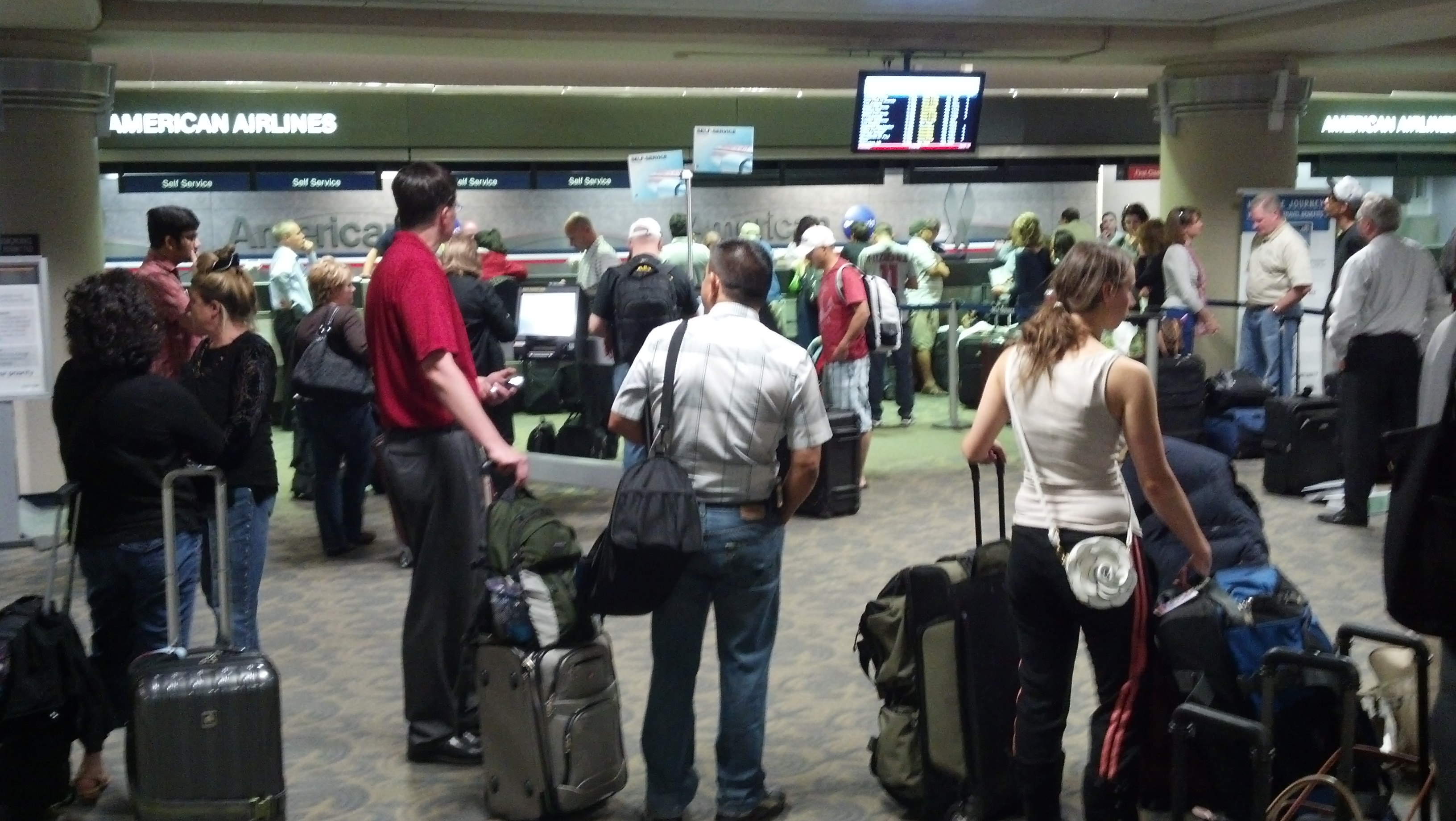 Flight Cancellation And Delayed On American Airlines